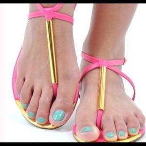 ‼️NWOB ‼️Dolce Vita Archer thong pink sandals